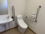 公民館 安全性・使いやすさに配慮した多目的トイレ