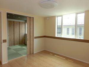 洋室から続く和室はお客様スペースに!!